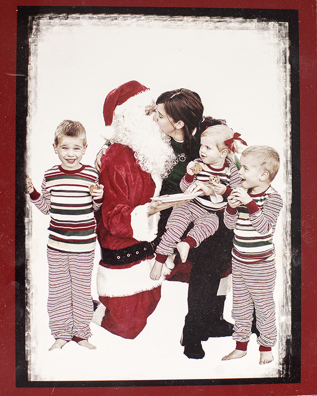 I saw Mommy Kissing Santa Claus Pictures