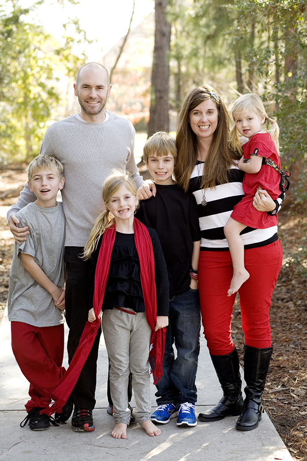 black red and gray clothes for family pictures