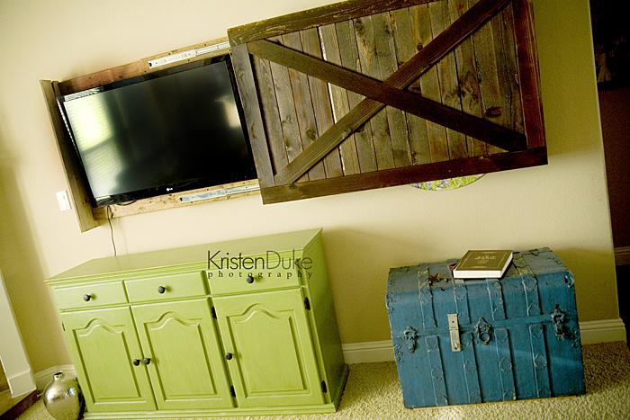 sliding barn door tv cover tutorial