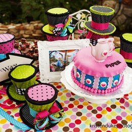 alice in wonderland party #kidsparty kristendukephotography.com