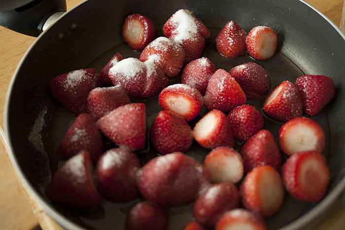 cook strawberries for cake recipe