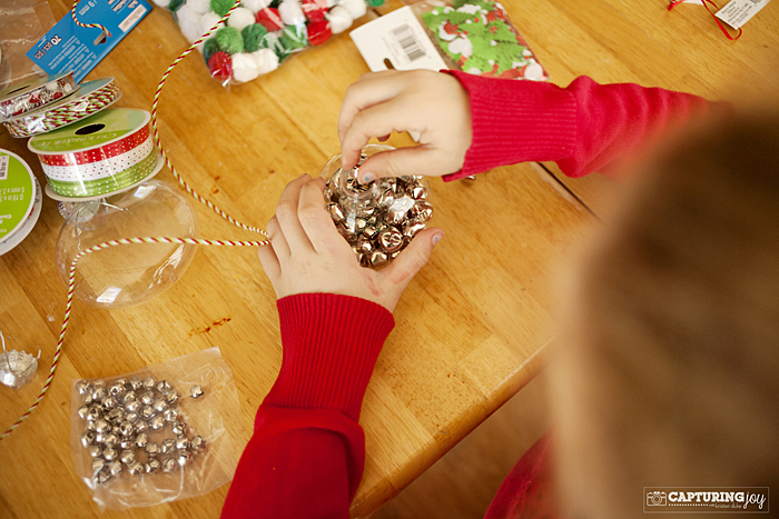 Kids craft filling plastic ornaments for Clear plastic craft ornaments michaels