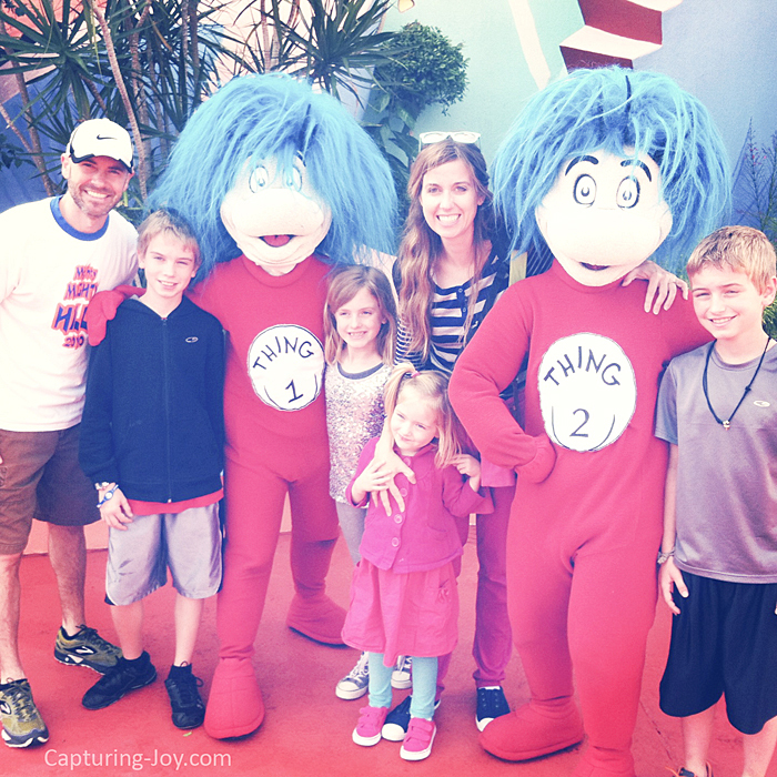 Thing 1 and Thing 2 at Islands of Adventure