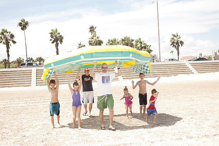 megastation beach raft