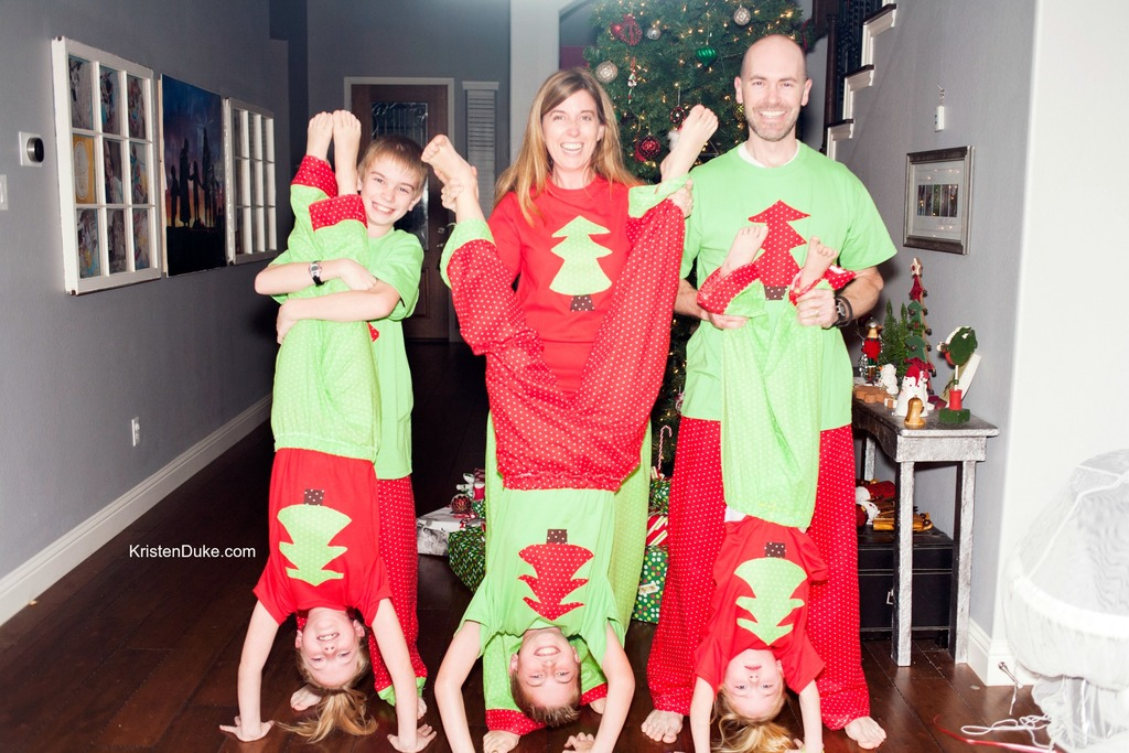 Unique do it yourself photo booth ideas selection photo and do it yourself photo booth ideas matching christmas jammies solutioingenieria Image collections