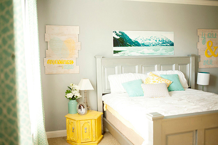 Bedroom shot using depth of field photo tip