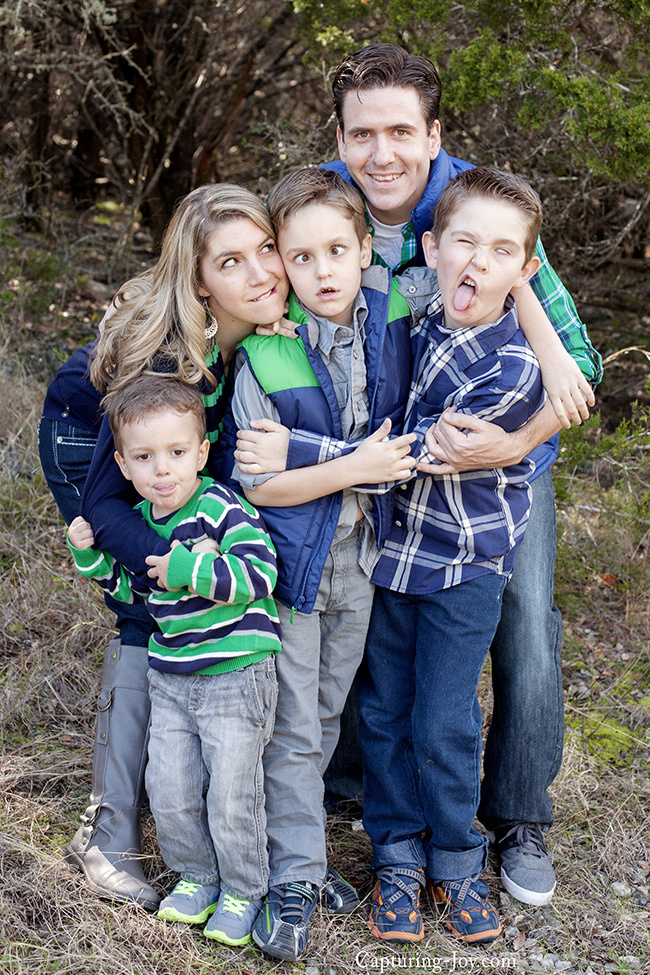 silly faces in family photography