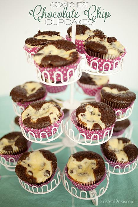 cream-cheese-chocolate-chip-cupcakes