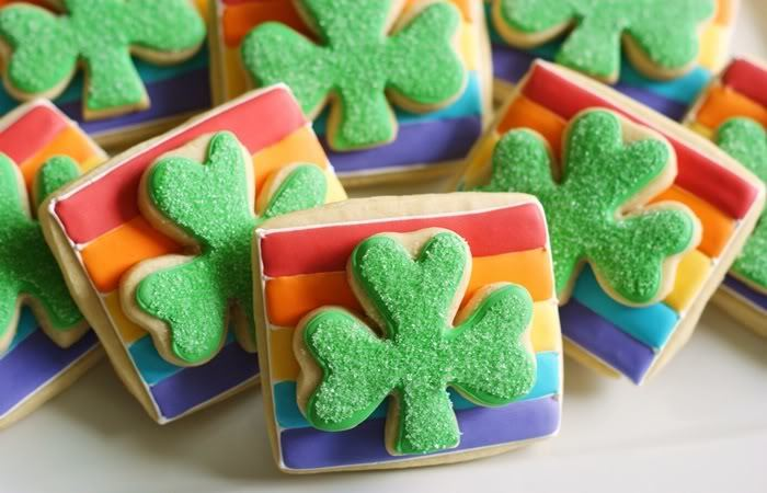 Rainbows and clovers cookies