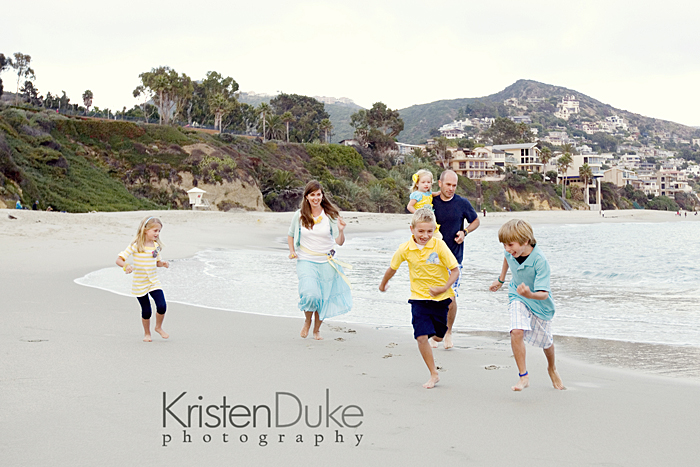 Family picture ideas on the beach