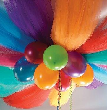 balloon and tulle decor