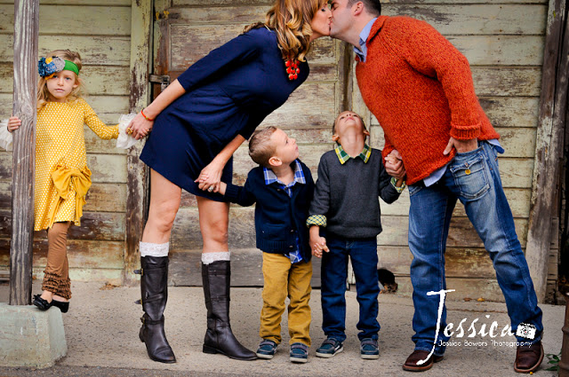 Capturing-Joy.com What to Wear in Family Pictures BY COLOR(Orange)! 100+ ideas!