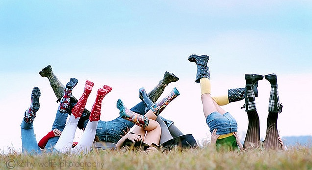 13 CREATIVE Family Picture Ideas for your next family photo session!