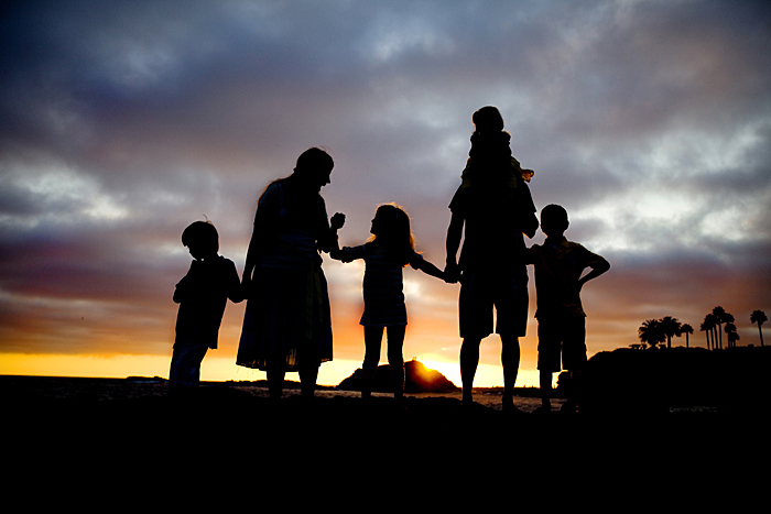 Family silhouette picture1