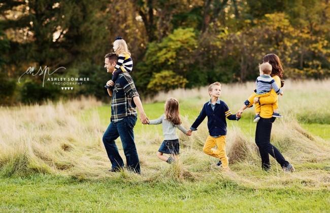 Capture-Joy.com Picture Clothes by Color Series-Yellow