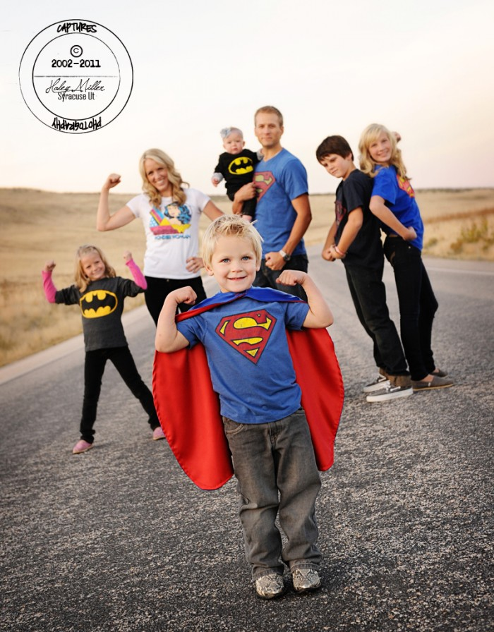 13 CREATIVE Family Picture Ideas For Your Next Photo Session