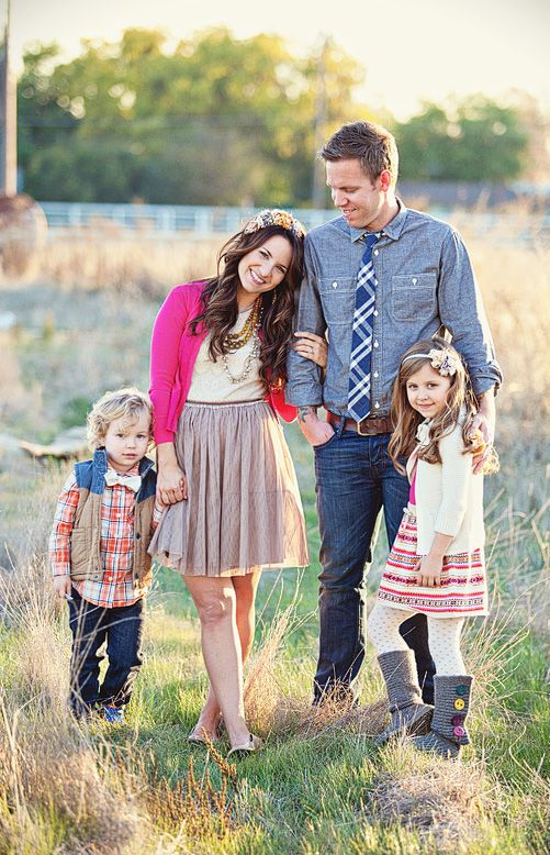 Family picture clothes by color pink capturing joy with for Family of 4 picture ideas