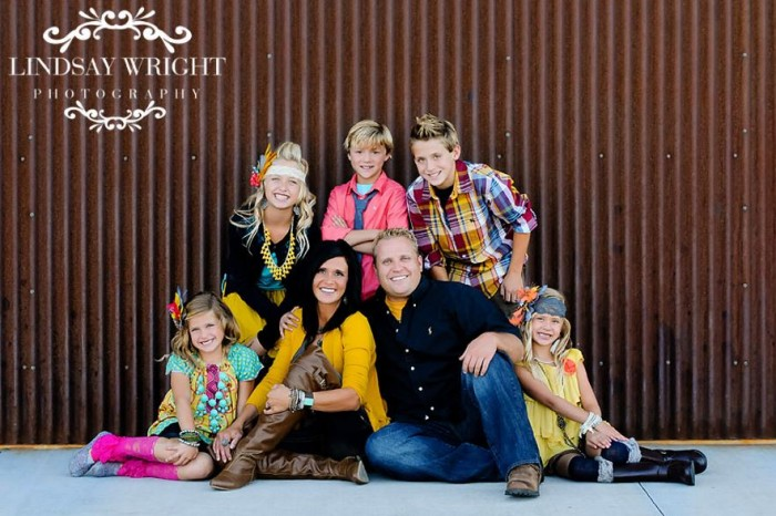 What to Wear in Family Pictures by COLOR-Multi Color! 100+ Ideas!
