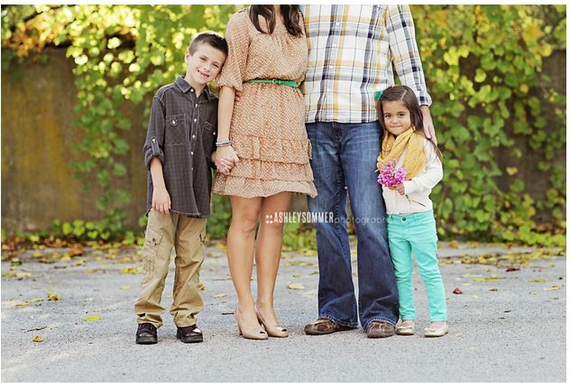 Capturing-Joy.com What to Wear in Family Pictures by COLOR-Brown! 100+ ideas!