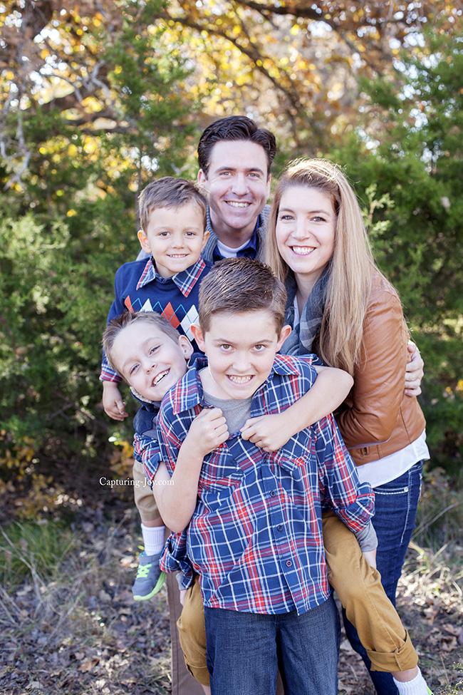 family hug photography