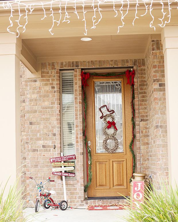 front door snowman