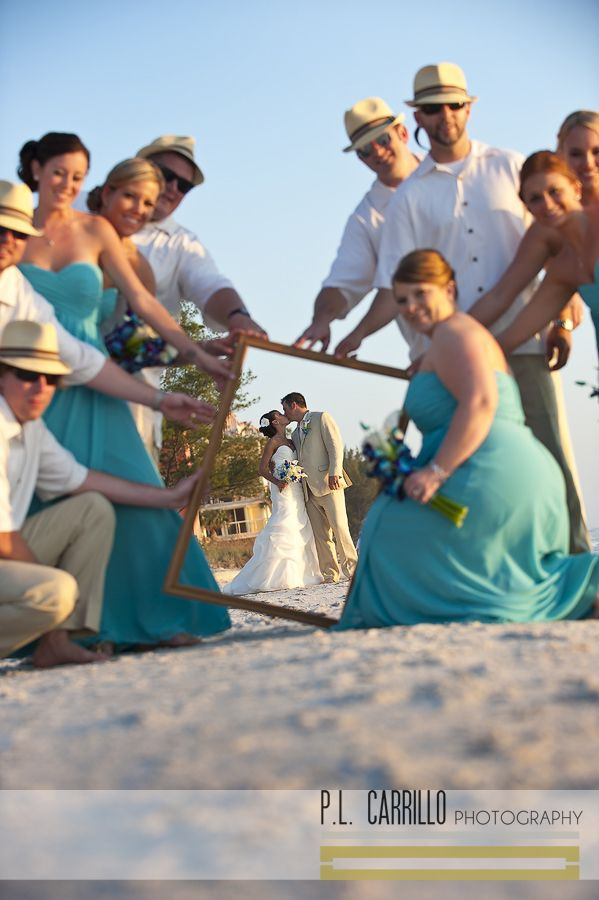 Bridal Party picture ideas ion the beach