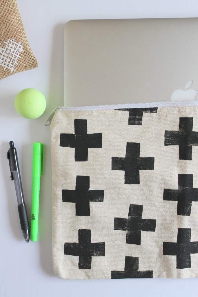 DIY Laptop Sleeve Cross