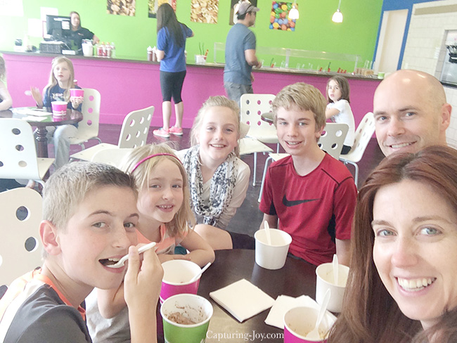 family at yogurt experience
