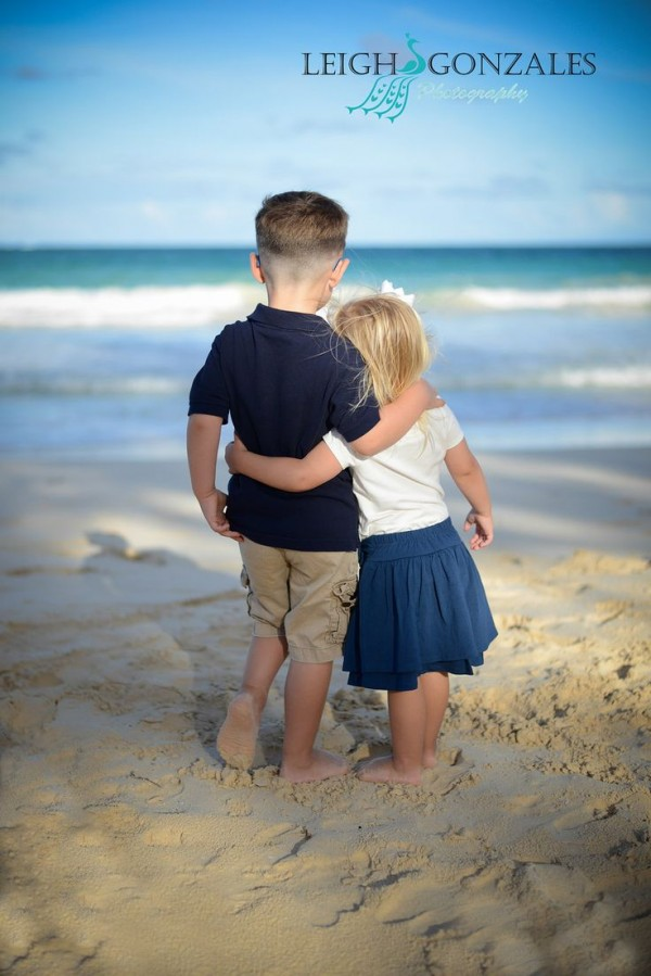 Sibling Picture Ideas On The Beach