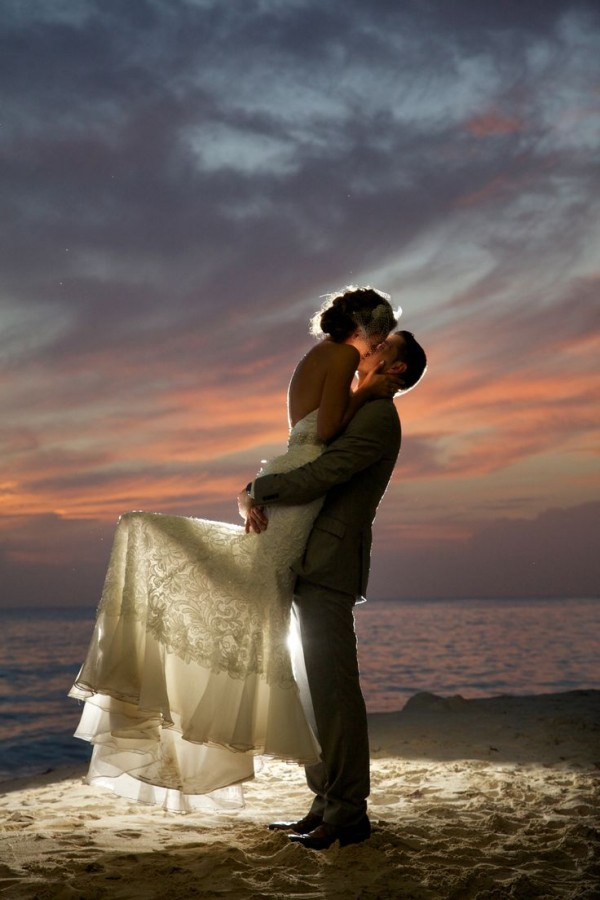 wedding picture ideas on the beach
