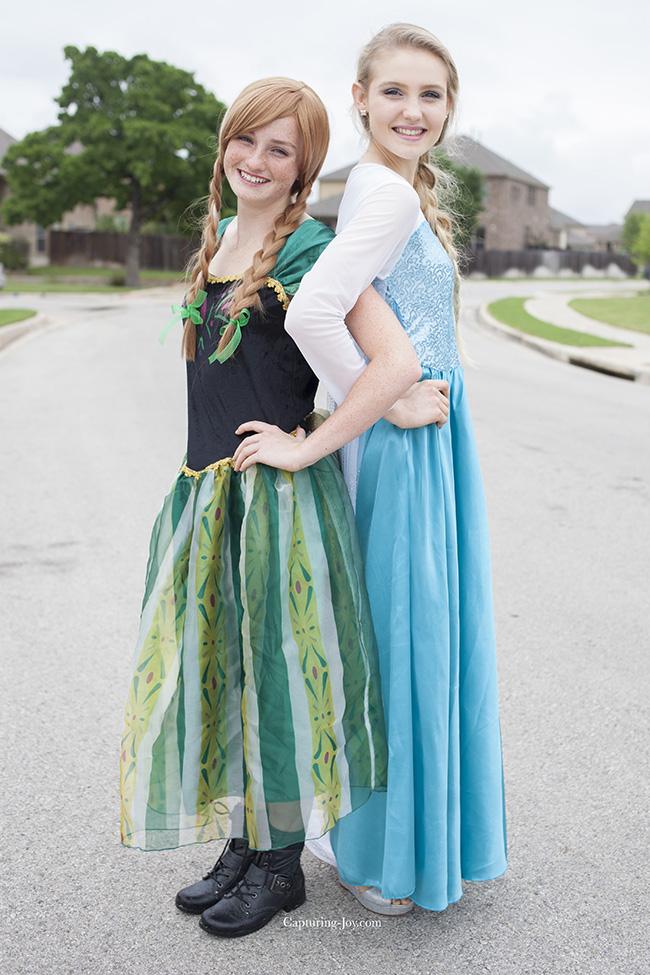 Disney Frozen Princess Anna and Elsa