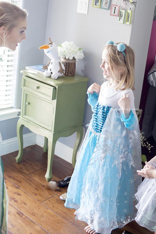 Elsa meets Elsa at party