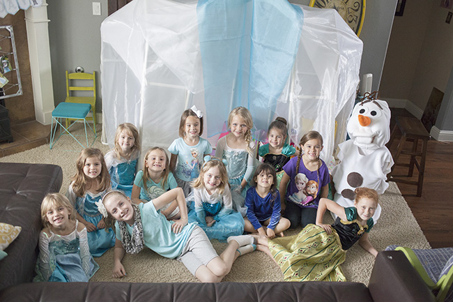 what to wear to frozen party
