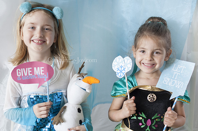 frozen photo booth free printables