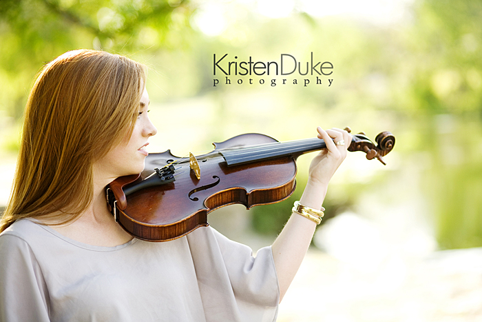 senior pictures with violin