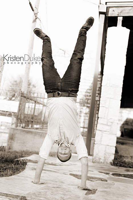 senior portrait handstand