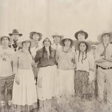 vintage pioneer family pictures from mormon trek