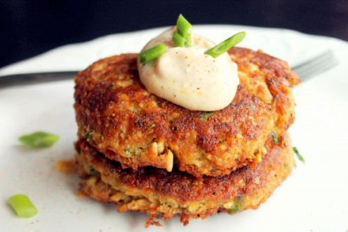 Creole-Salmon-Cakes-with-Hot-Mayo