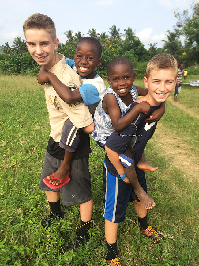 Kids from USA playging with children in Ghana