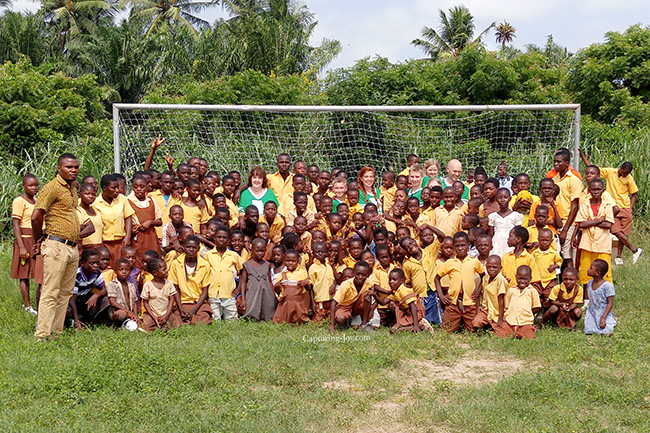 Ghana school children get soccer goals