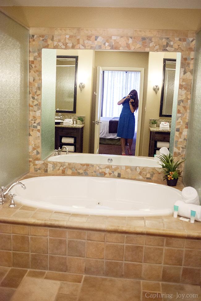 Tile bath at Hyatt Wild Oak Ranch