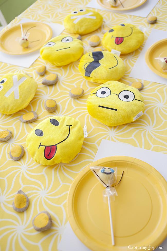 Emoji Birthday Party Favors Girl