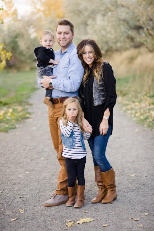 family picture pose ideas with 2 children capturing joy with