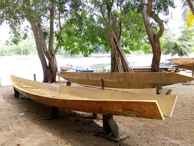 hand made boats in Ghana