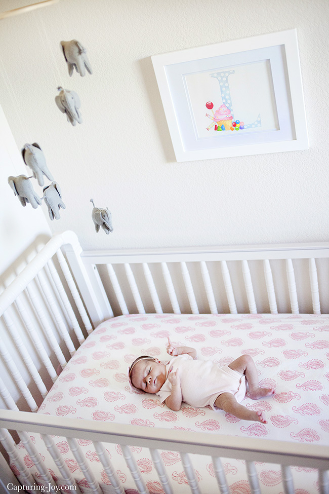 newborn photography in crib