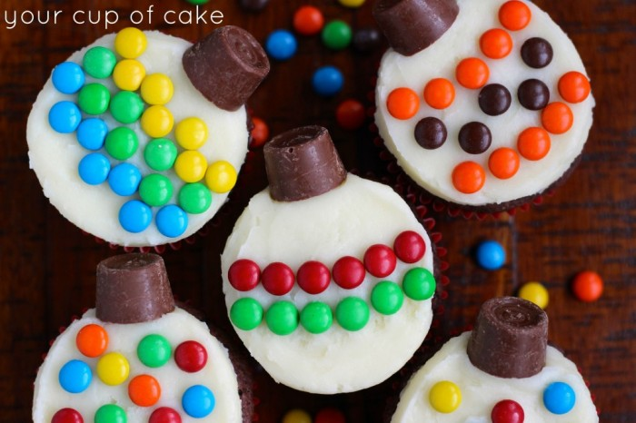 20 Christmas Treats that your kids can easily make! Check them out on Capturing-Joy.com!