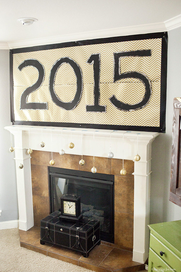 New Years Eve Mantel Decoration