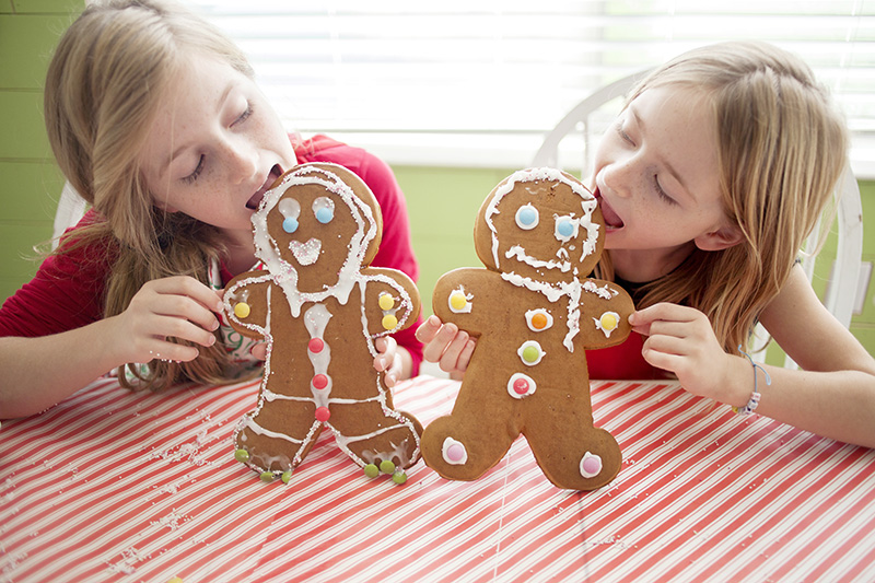 eating gingerbread men
