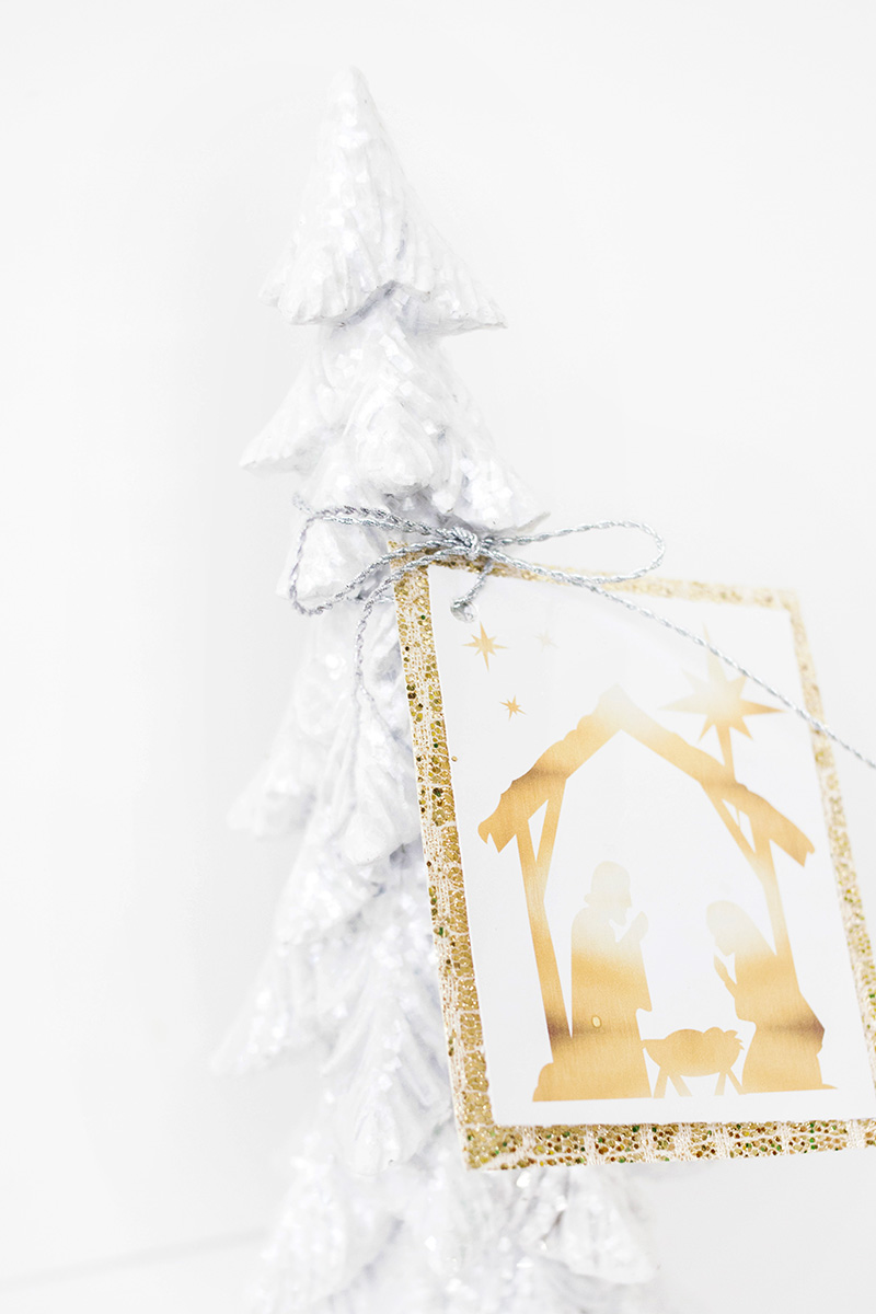 nativity gift tag
