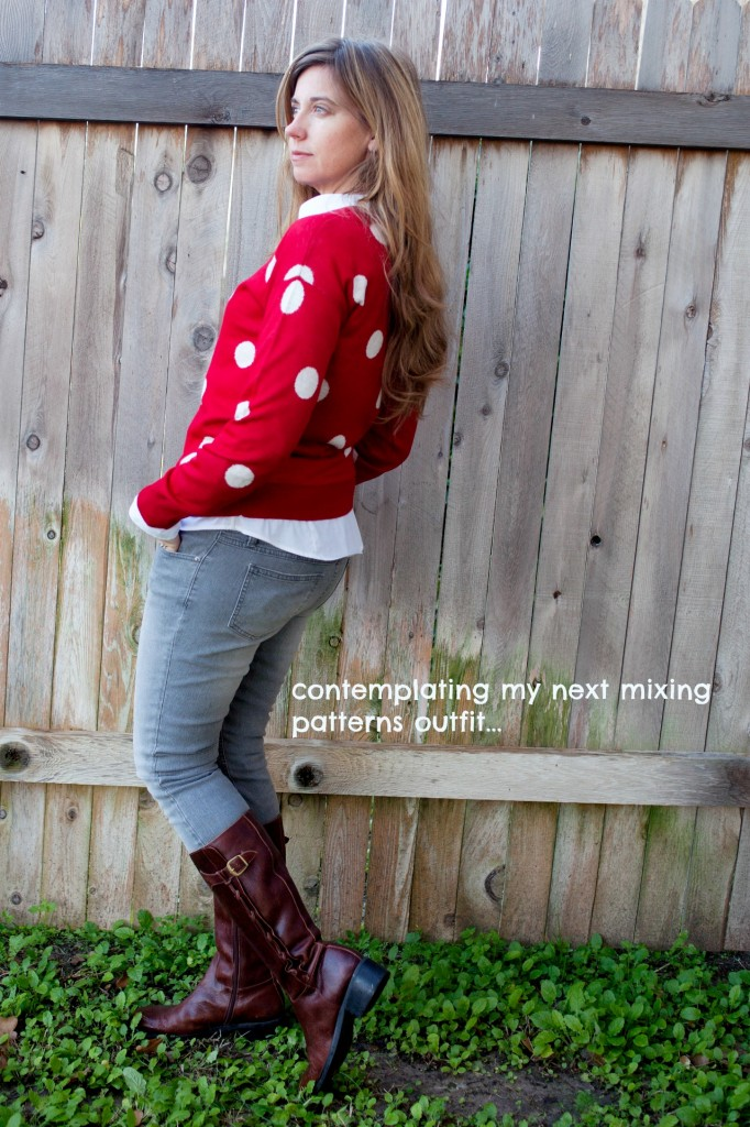 Get your fashion inspiration with different ways to wear red and green! Capturing-Joy.com